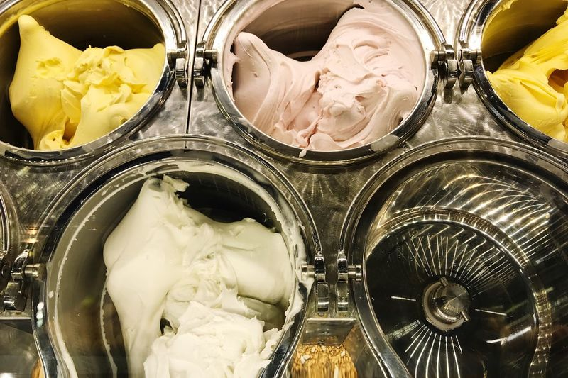 Ice Cream Maker Ice Cream Parlor Ice Cream Indoors  Food Food And Drink No People Sweet Food Close-up Freshness