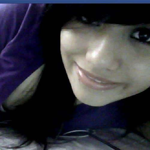 I miss my black hair..:( lol such an old ass picture of me back in freshman year in first semester lol...Cx i looked really cute back then... Cutelastyear Missmyblackhair Ohhwellgetoveritana LOL doubletappthispikk!:D