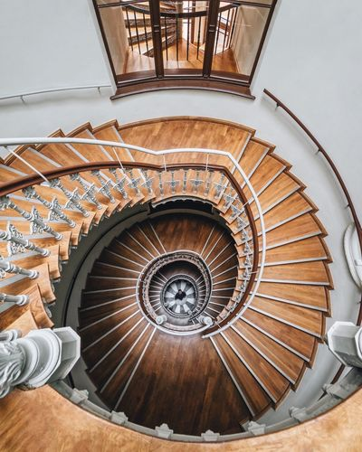 Too much too soon VSCO Eyem Best Shots Eyemphotography First Eyeem Photo Architectural Detail Architectural Feature Architecture_collection Architectural Column Architecture Spiral Built Structure Spiral Staircase Steps And Staircases Indoors  Staircase Design