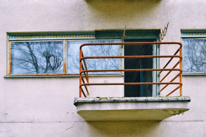 Balcony Broken Window Architecture Architectural Feature Architecture_collection Abandoned Buildings EyeEm Selects Window Close-up Architecture Building Exterior Built Structure Rusty Bad Condition Abandoned Ruined Damaged Weathered