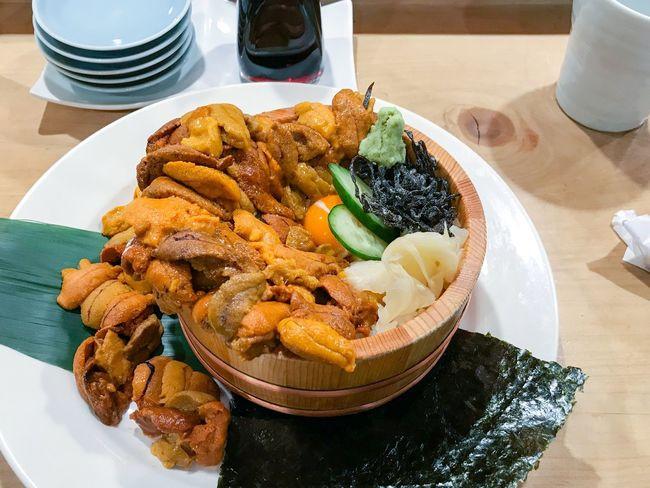 こぼれうに丼 Unitora Koboreunidon Tokyo Tsukiji Kaisendon Seaurchin Food And Drink Food Plate Ready-to-eat Table Indoors  Healthy Eating No People Freshness Seafood Close-up