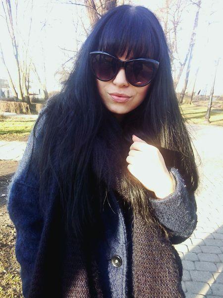 Fashionblogger Olitangerine Brunette Bangs Street Fashion Polishgirl AllBlackEverything Morning