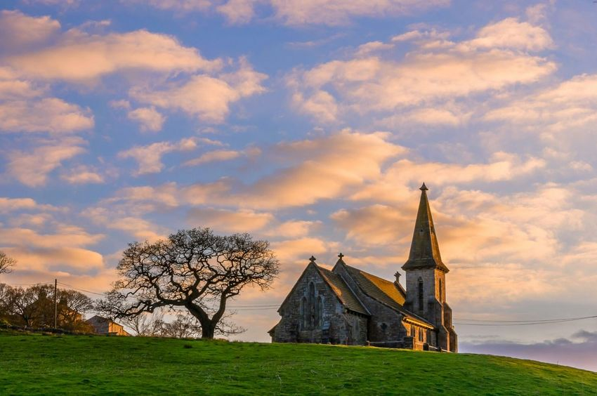 St Andrews Church in Blubberhouses, Harrogate, North Yorkshire, England. Architecture Church EyeEm Best Shots - Landscape Outdoors Yorkshire England Landscape Golden Hour Clouds Countryside