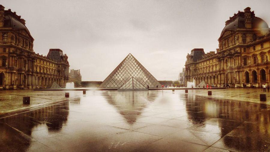 Le Louvre...