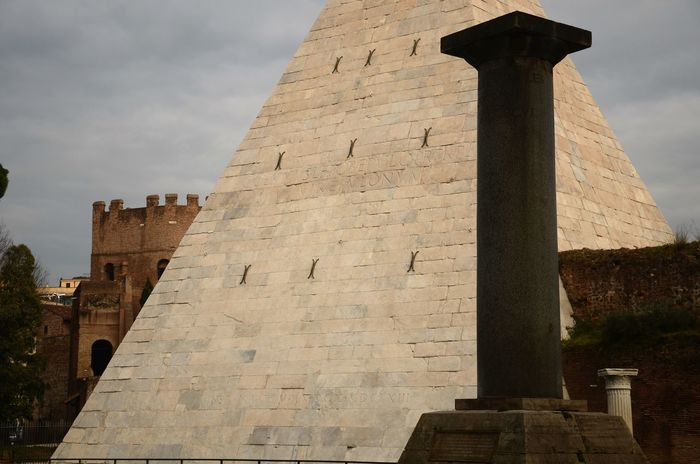 Day Monument No People Outdoor Photography Outdoors Piramide Cestia Roma Rome The City Light