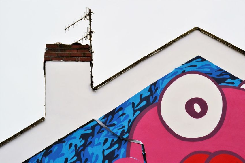 Colours Urban Culture  Architecture Artistic Expression Building Exterior Built Structure Close-up Communication Day Graffiti Art Low Angle View No People Outdoors Streetphotography Symmetry Upfest2017