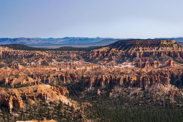 The expansive views in bryce canyon