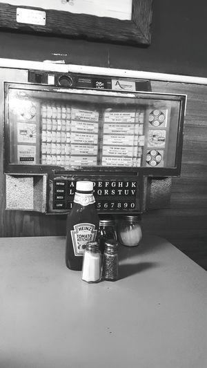 Mini jukeboxes make me smile. Jukebox Music Old Fashioned Mini Jukebox Diner Old Diner EyeEm Best Shots Pats Pizza in Oroño, Maine