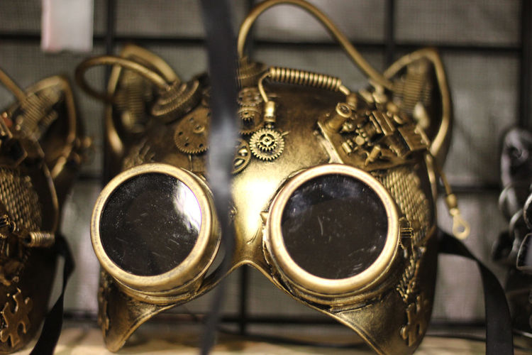 Wondercon 2018 California Black Eye4photograghy Gold Colored Mask No Filter, No Edit, Just Photography Canonphotography Streetphotography WonderCon Wondercon2018 EyeEm Best Shots EyeEm Around The World Cosplay Fashion Stories From The City