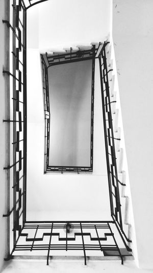 scale Stefanopagliucaphotography Biancoenero Blackandwhite Black And White Blackandwhite Photography Blackandwhitephotography Blackandwhitephoto Spiral Stairs Spiral Spiral Galaxy Staircase Design Picture Frame Symmetry Geometric Shape Stairs Stairway Steps Steps And Staircases