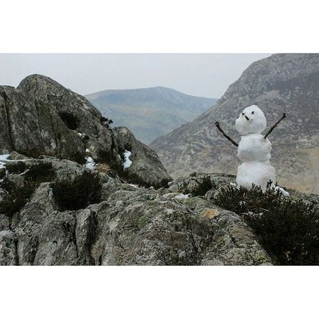 Had such a good day climbing Tryfan, this little guy chilling near the top Walking Climbing Scrambling Snowman Tryfan Cold