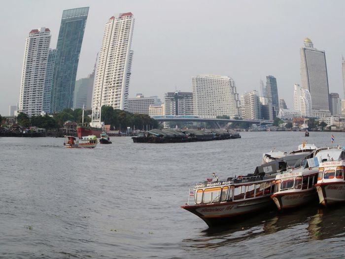 Sawasdee World. EyeEm Thailand Taking Photos Chao Phaya River ,Enjoy The River, Enjoying Life .