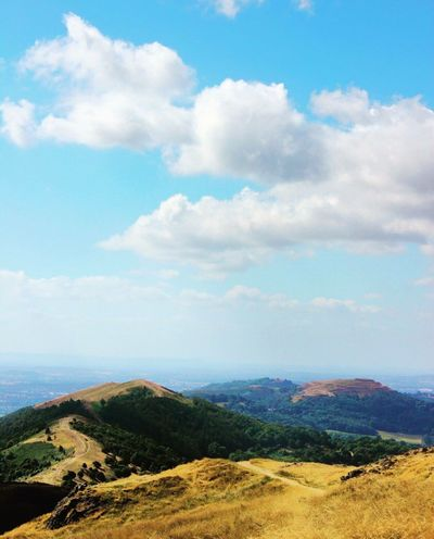 On top of the world. Mountain Hill Tree Majestic Cloud Sky Nature Beauty In Nature Calm Idyllic Cloud - Sky Tranquility Tranquil Scene Scenics Outdoors Exploring Traveling Walk Malvern Hills Landscape