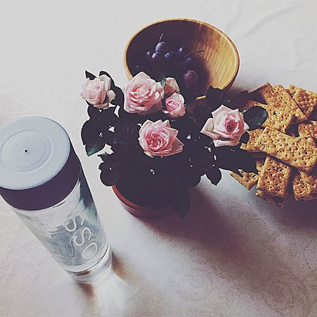 Pink Roses Bouquet Flowers Biscuits Cookies Drink Natural Water VOSS Grape