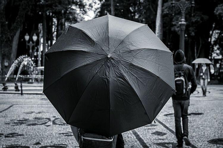 Chuvinha Cwb0grau Urbanphotography Blackandwhite Streetphoto_bw Streetart Cotidiano Curitibacool EyeEm Gallery EyeEm Bnw