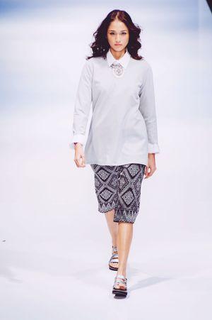 Striking Fashion Songket Fashion Photography Fashion Show Photojournalism Female Model Klfwrtw2015 Fashioneditorial