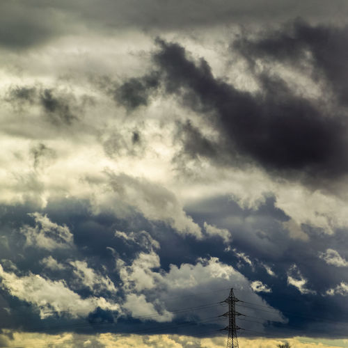 Check This Out Cloud - Sky Cloud Formations Cloudscape Day Electricity  Electricity Pylon Electricity Tower EyeEm Gallery Lagavia Low Angle View Low Clouds Madrid Nature No People Outdoors Power In Nature Sky Square Walking Around