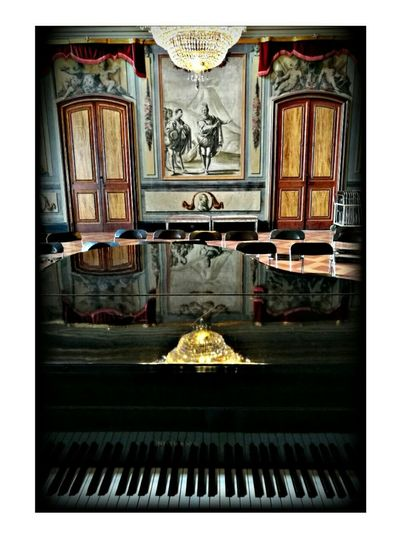 Palau Moja, Barcelona Reflection Photography No People Indoors  Moornig_capture Musical Instrument Piano Music Arts Culture And Entertainment Good Morning! Architecture Classical Music Palace, Cataluña Patrimonio Cultural Piano Moments