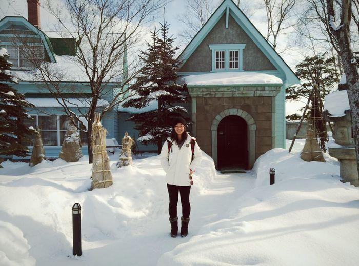 Hokaido Travel Explore Snow And White Dream Wonderful House Blue Smile