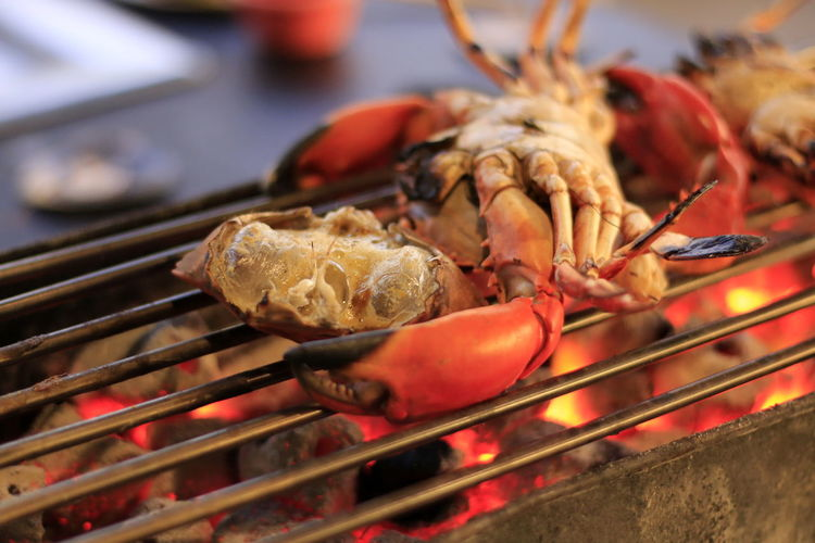 Barbecue Barbecue Grill Close-up Crab Crustacean Day Dinner Focus On Foreground Food Food And Drink Freshness Grilled Healthy Eating Indoors  Meat No People Preparation  Preparing Food Seafood Selective Focus Still Life Wellbeing