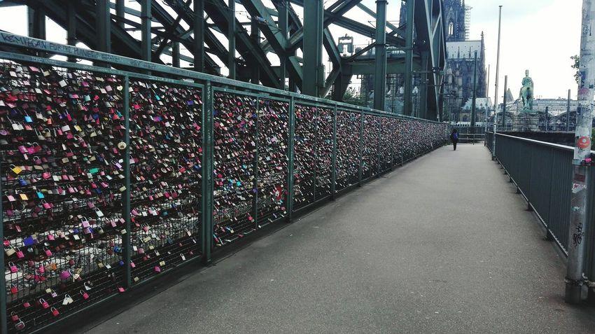 Outdoors Protection Day Köln, Germany Colonia,Alemania Candados Candados De Amor Love ♥ Nice Valla Brücke Train