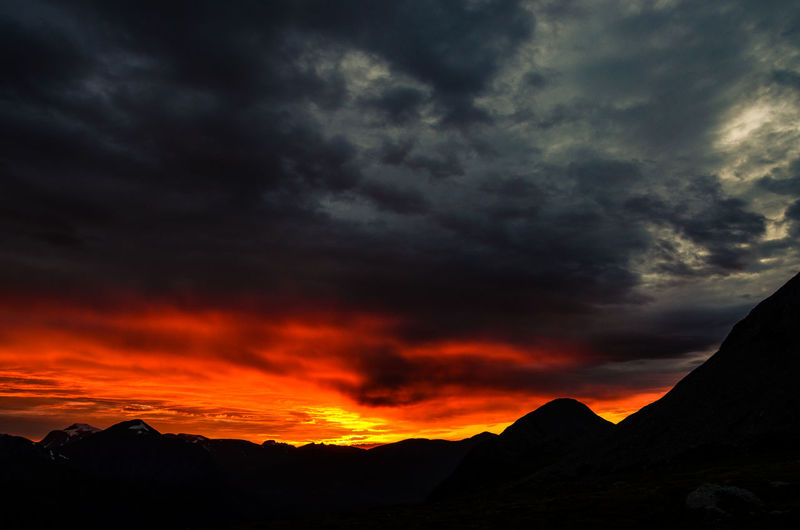 sky insanity - midnight sun Norway🇳🇴 Norway EyeEm Nature Lover Outdoor Stranda Mountains Sunset Sun Colorful Intense Colors Naturelovers Outdoors Mountain No People Extreme Weather Landscape Sunset Night Nature Sky