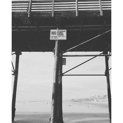 B&W. Blackandwhite Grey Beach BeachVisuals OceansideRepitSurfersDontGiveADamnPierTuesdaySonyXperiazPotdHaveANiceDayPeaceOut