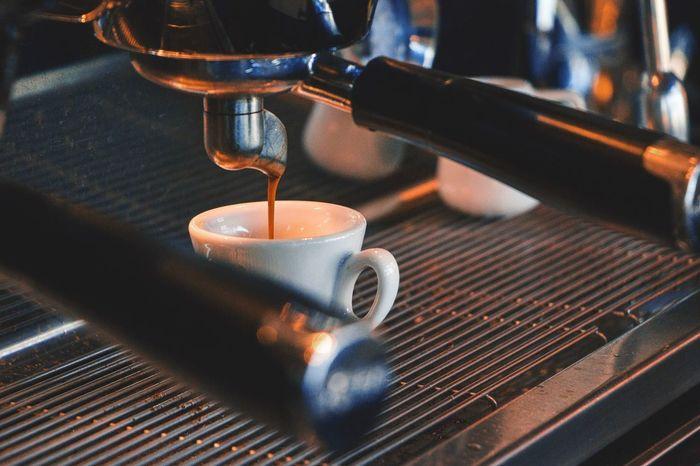 Caffè Bar Coffee Cup Coffee - Drink Coffee ☕ Coffeemachine Coffeemoment Coffee Shop Drink Espresso Espresso Maker Indoors  Cafe Day