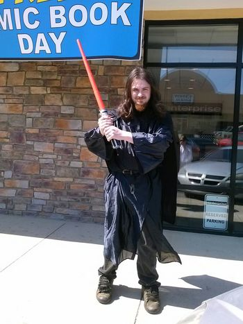 Free Comic Book Day Star Wars Cosplay display Sithlord sithlord