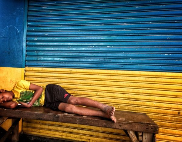 Outdoors Human Body Part Adult Candid Photo City Street @eyeemphilippines EyeEm Gallery Eyeem Philippines Streetphotographer City Life Streetphoto_colour EyeemPhilippines Mobilephotography Eyeem Philippiness Sleepingbeauty Sleeping Man Sleeping Boy Urban Decay Streetphotography Eyeemphotooftheday