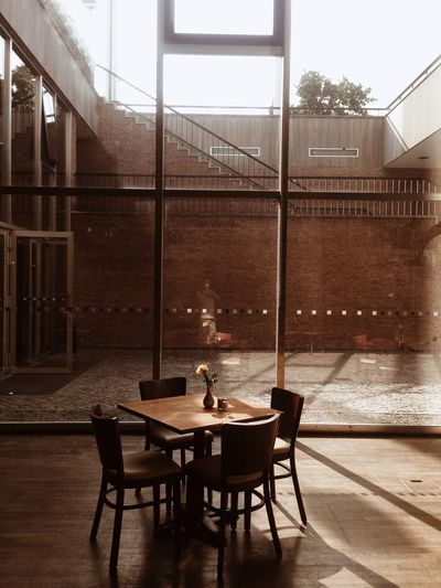 Light And Shadow Hanging Out Interior I ❤ BERLIN