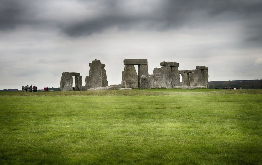 Stonehenge Memorial Ancient Architecture Day Grass History Landscape Nature No People Outdoors Sky Stonehenge Tourism