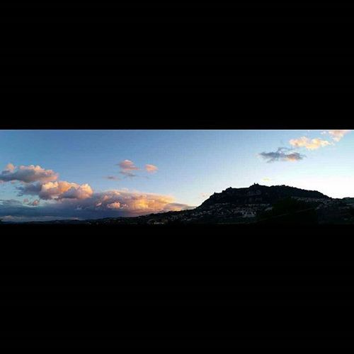Il tempo ancora è bello! A Sanmarino Gennaio2016 Republicofsanmarino Repubblicadisanmarino January Sunset_pics Sun Sunset Landscape Montetitano Bluesky Noeffect Instamoment Instaphoto Panorámica Panoramicview Visitsanmarino Volgoemiliaromagna Volgoitalia Volgosanmarino Picoftheday Beautifulcolors