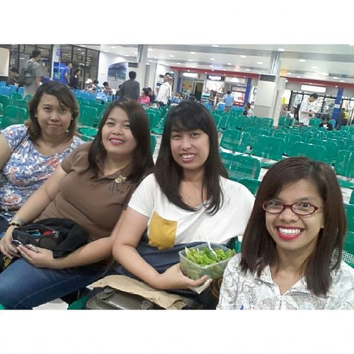 This is it.. relax time! With the 'V' girls hahahahaha 09262014 Cebu Oslob Departure 😀😘💓💖💞😊🌊🚣✈👍