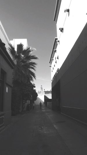 Parking lot ✌️ Walkway Black And White Photography Blackandwhite Taking Photos Walking Around From My Point Of View Old Town Pasadena