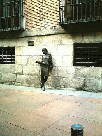 Tras Julia Madrid Spain ✈️🇪🇸 Statues Urban Streetphotography