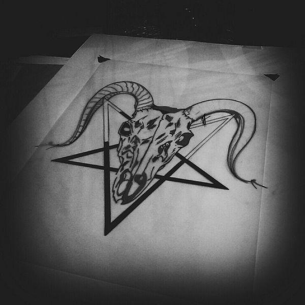 горите. No People Close-up EyeEm Art Photography Shot Goat Skull Satan Skull Pentagrama Sketch Art Old