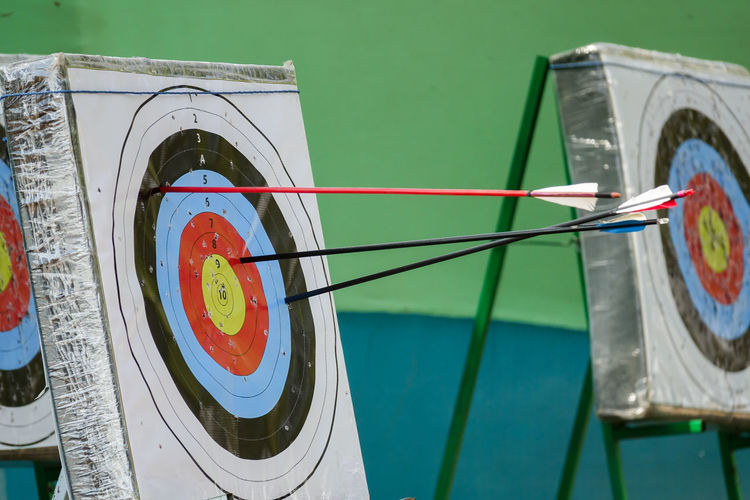 ACHERY TARGET BOARD AND ARROWS Achery Target Activity Concept Day Management No People Objective Outdoors Sport Sports