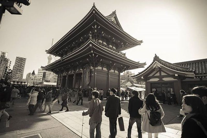 "TBT  this week is of Hōzōmon (宝蔵門 ""Treasure-House Gate"") which is the inner of two large entrance gates that ultimately leads to the world-famous Sensō-ji shrine in Asakusa,Tokyo. A two-story gate (nijūmon), the Hōzōmon's second story houses many of the Sensō-ji's treasures. The first story houses two statues, three lanterns and two large sandals. It stands 22.7 metres (74 ft) tall, 21 metres (69 ft) wide, and 8 metres (26 ft) deep. Hozomon Hozomon Sensoji Sensojitemple Tokyo Igtokyo Asakusa Shrine NewYear Happynewyear Temple Sky Travel Traveling Instatravel Travelgram Bestoftheday VSCO Vscocam Optoutside Japan DickMace"