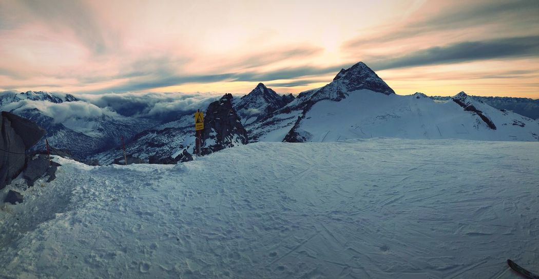 View to Olperer from Gefrorene Wand Hintertuxer Gletscher Skiing Winter Mountain Snow Beauty In Nature Sunset Sky Cloud - Sky Outdoors No People Mountain Range Snowcapped Mountain First Eyeem Photo EyeEmNewHere EyeEmNewHere Perspectives On Nature