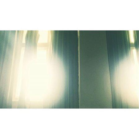 溫暖啊____ 走近 走進 音樂教室 溫暖 窗外 光芒 美麗 平靜 Warm Musicclass  Window Sunshin Winter Beautiful