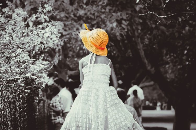 The girl with orange hat... LensOFF Hat Girl Orange Botanical Gardens