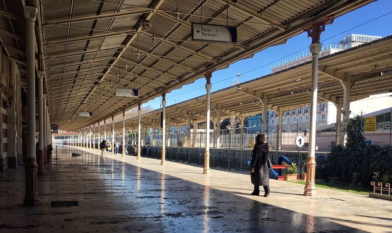 Check This Out Taking Photos VSCO Turkey Eyemphotography Hello World Sirkeci Sirkecidenbakis Sirkecigarı Sirkeci Gari Train Station Lifestyles Real People Walking Built Structure Architecture Sky Only Women Vcso Eye Em Around The World The Week Of Eyeem Adult Adults Only People The City Light