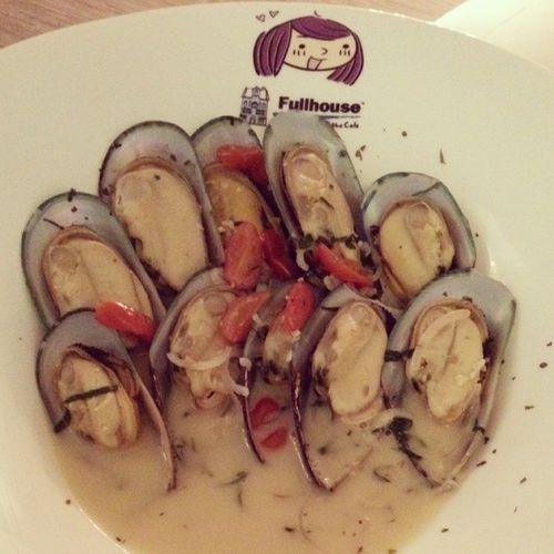 Mussels.! Slurp.!