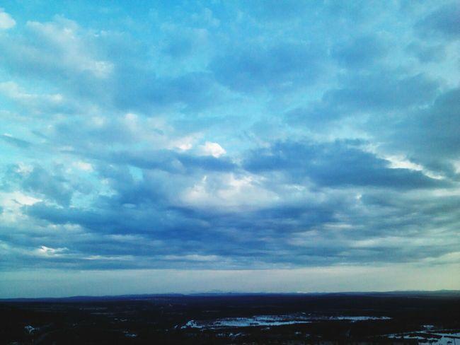 обожаю вид неба из окна:)