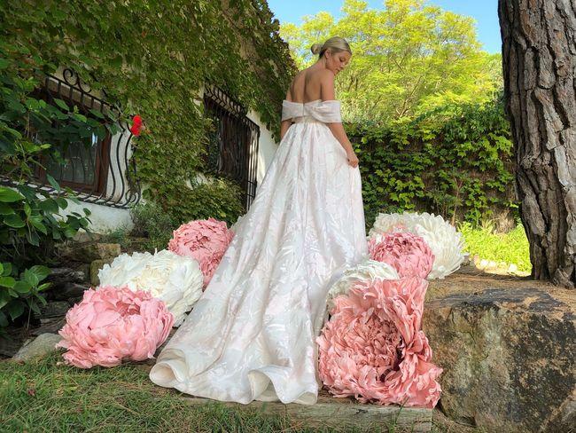 EyeEmNewHere Paper Art Big Flowers Wedding Bride Wedding Dress Celebration Adult Women Fashion Life Events Flower Nature
