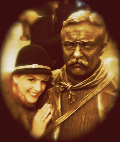 Teddy Roosevelt and I are engaged! Taking Photos Hello World Check This Out That's Me Visiting Museum American Museum Of Natural History