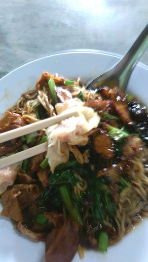 Food Food And Drink Indoors  Meal Ready-to-eat Close-up Healthy Eating Vegetable Freshness Indulgence Serving Size Savory Food Temptation Dinner Appetizer No People Lunch Main Course Famous Food Wantan Mee Wanton Noodles Honey Bbq Pork