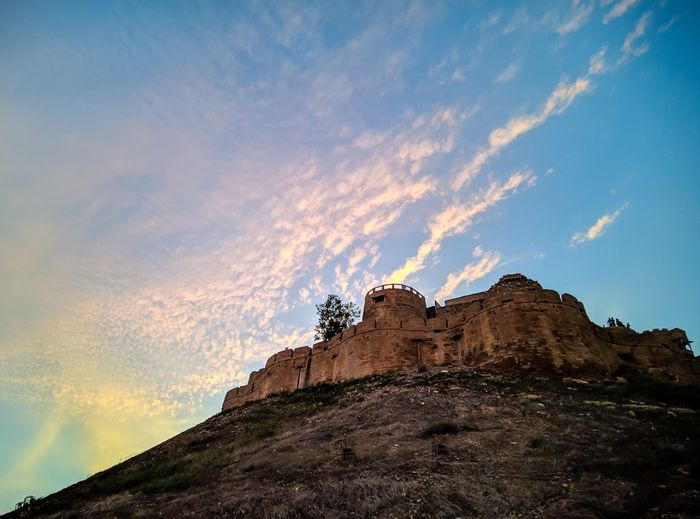 Fortress Ancient Fortress Mountain Sunset Rock - Object Sky Landscape Cloud - Sky Dramatic Landscape Physical Geography Mountain Peak Geology Natural Landmark Rocky Mountains Star Field HUAWEI Photo Award: After Dark #urbanana: The Urban Playground Be Brave Holiday Moments Moments Of Happiness Capture Tomorrow It's About The Journey 17.62°