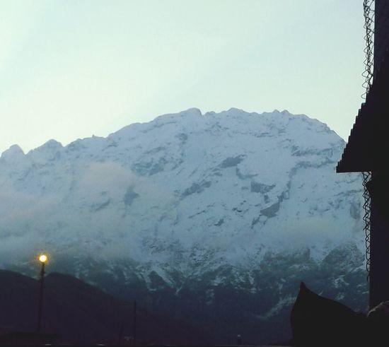 Bu sümbül dağında kar eksik olmaz :)